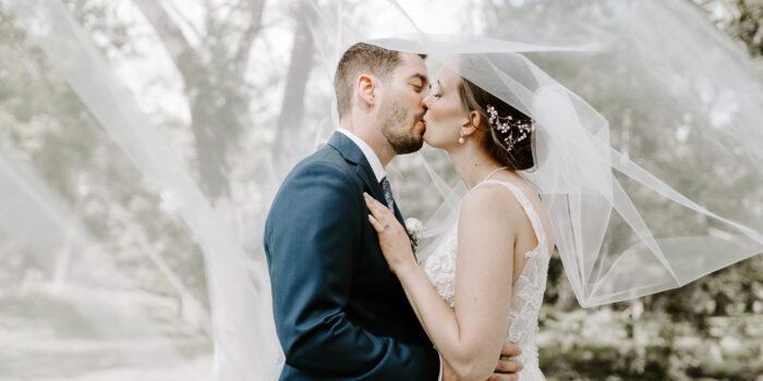 Chris & Abigail / Winnipeg Art Gallery Wedding