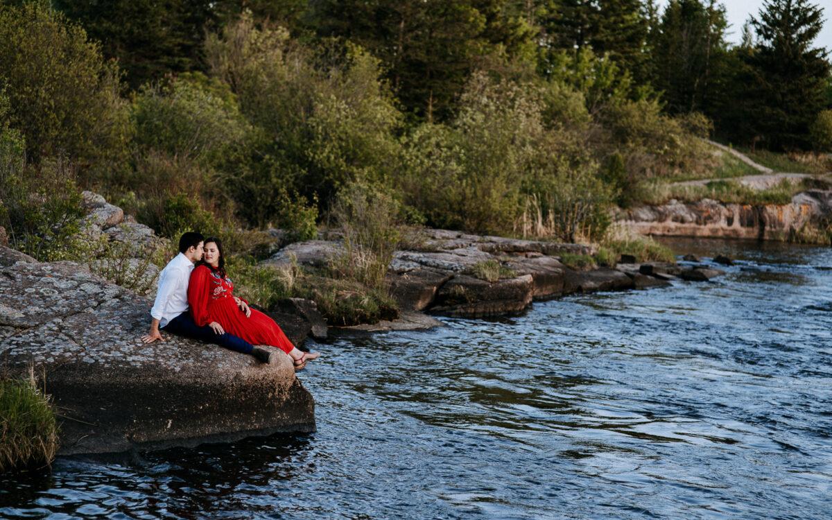 Keenen & Meagan / Pinawa Dam Engagement Session